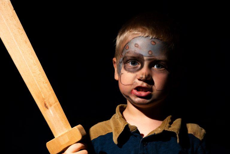Activité 'Éveil au théâtre: Découvrir, se découvrir – Exprimer, s'exprimer' par Apprends et Rêve, activités pour enfants et ados à Paris