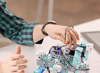 Activité 'Geek et fan de robotique? Ce stage est pour TOI!!!!' par Apprends et Rêve, activités pour enfants et ados à Paris