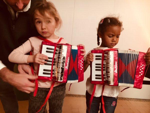 Une image de l'activité Plongée dans l'univers musical organisée par Apprends et Rêve, activités pour enfants et ados à Paris