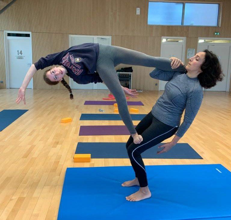 Activité 'Viser l'harmonie, ensemble grâce au Yoga et à l'Acroyoga (Parent/Ado)' par Apprends et Rêve, activités pour enfants et ados à Paris
