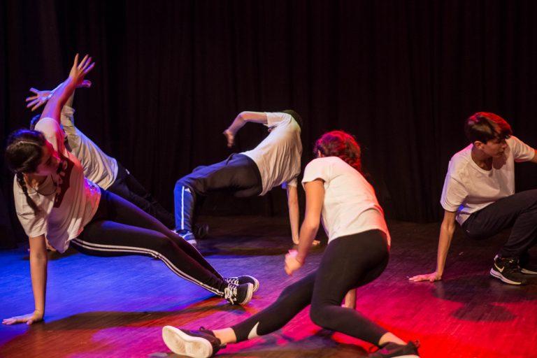 Activité 'Breakdance et Hip Hop: l'art du mouvement' par Apprends et Rêve, activités pour enfants et ados à Paris