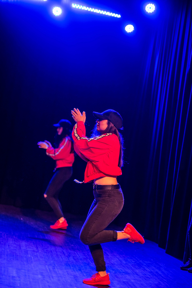 Activité 'Modern/ Street Jazz Danse: quand les ados dansent comme dans les clips' par Apprends et Rêve, activités pour enfants et ados à Paris