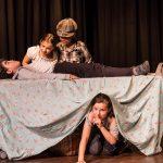 Une image de l'activité Apprendre le jeu d'acteur: tous en scène ! organisée par Apprends et Rêve, activités pour enfants et ados à Paris