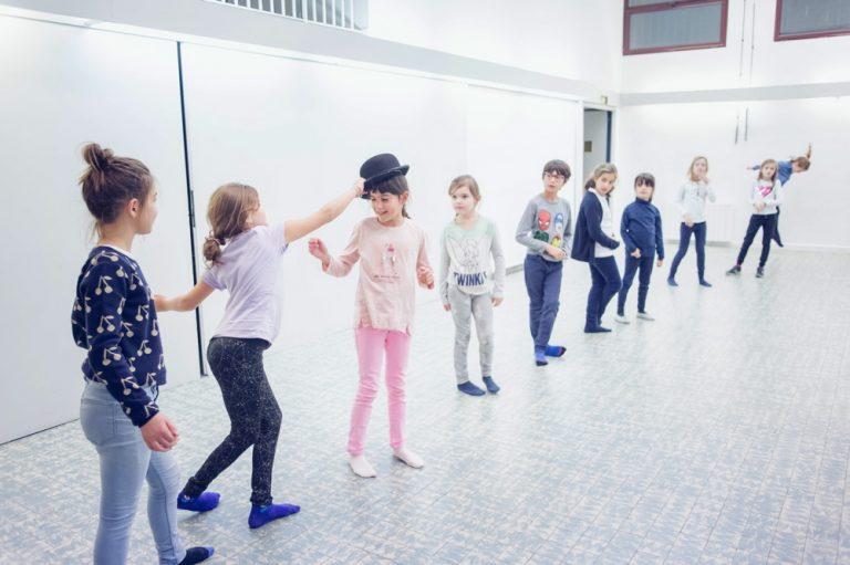 Activité 'Du rêve à la scène … en chantant en anglais' par Apprends et Rêve, activités pour enfants et ados à Paris