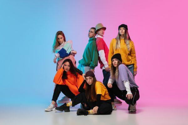 Une image de l'activité Breakdance et Hip Hop ados: l'art du mouvement organisée par Apprends et Rêve, activités pour enfants et ados à Paris