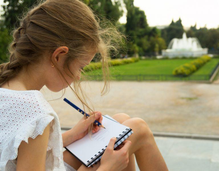 Activité 'Savoir dessiner, savoir regarder: un jour, une technique' par Apprends et Rêve, activités pour enfants et ados à Paris