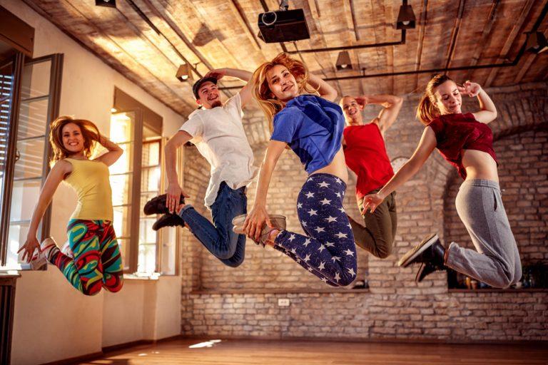 Activité 'Danser, comme dans les clips' par Apprends et Rêve, activités pour enfants et ados à Paris